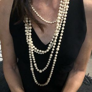 Pearl necklace with 5 strands